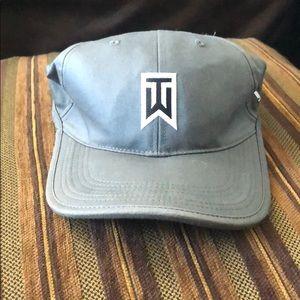 Nike Tiger Woods hat
